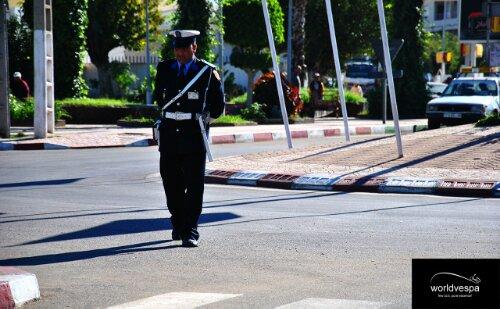 Αστυνομικοί κυριολεκτικά ανά 100 μέτρα!!!