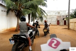 Lost our way to the embassies / Σκέτος λαβύρινθος ο δρόμος για τις πρεσβείες.