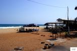Bars and restaurants on the beach / Μπαρ κι εστιατόρια δίπλα στο κύμα.