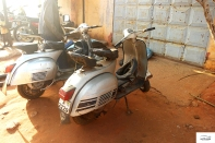 Many vespas in Togo / Χαμός από Vespa στο Togo.