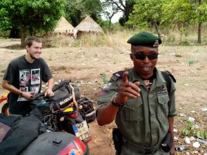 The Nigerian policeman who made us unpack our stuff to check them / Ο Νιγηριανός αστυνομικός που μας ανάγκασε να ξεφορτώσουμε όλες μας τις αποσκευές για να τις ελέγξει!