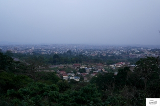 Bamenda as seen from the mountain / Bamenda αφ' υψηλού!