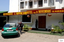 """At the hotel """"L' Hippocampe"""" overlanders are welcome and if they choose to sleep in their tent at the hotel's backyard, they won't pay at all! / Στο ξενοδοχείο L'Hippocampe οι overlanders είναι ευπρόσδεκτοι και μάλιστα εάν κοιμηθούν σε σκηνή στην αυλή, η διαμονή είναι εντελώς δωρεάν!"""