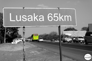 From Lubumbashi to Lusaka, the road is in perfect condition / Από το Lubumbashi και κάτω ο δρόμος είναι βιλούδο!