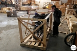 "Building the crate for Christina's motorcycle / ""Πάμε πακέτο"" με τη Χριστίνα Πεφάνη!"