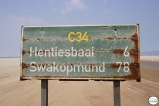 Στο Swakopmund καλό πλύσιμο γιατί το βεσπάκι θα γίνει σαν την πινακίδα