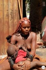 Αυτοί είναι οι Himba (ή κάπως έτσι). Τους πέτυχα μέσα στο σουπερμάρκετ και ευτυχώς δεν χρειάστηκε να οδηγήσω μέχρι τον μακρινό βορρά για να τους φωτογραφήσω.