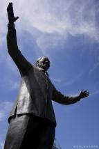 Nelson Mandela, the terrorist(!), according to some South Africans! / Ο Νέλσον ο Μαντέλας, γνωστός...τρομοκράτης της Νοτίου Αφρικής (το ακούσαμε κι αυτό)