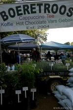 A flea market in Pretoria / Εικόνες από μια λαϊκή - μόνον λαϊκή δεν τη λες - αγορά στην Πρετόρια