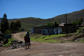 Pictures from the road Ha Lejone to Thaba Tseka / Εικόνες από Ha Lejone προς Thaba Tseka