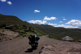 The next kilometers seem to be easier / Τα επόμενα τουλάχιστον χιλιόμετρα φαίνονται κατηφορικά