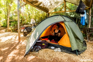 After searching for too long, we finally managed to find a campsite in Puerto Iguazu. / Ύστερα από πολλή αναζήτηση καταφέραμε να βρούμε κάμπινγκ (Puerto Iguazu)
