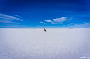 With the vespa at the Salar / Στη salar με τη βέσπα