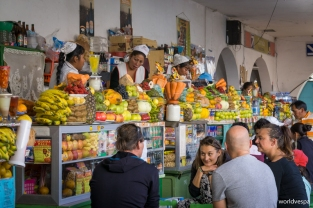 In the central market of Sucre / Λίγη αγορά ακόμη