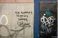 """We're not hippies, we're Latinos"" / ""Δεν είμαστε χίπις, είμαστε Λατίνοι"""